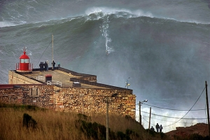 pb-130129-portugal-big-wave-nj_photoblog900