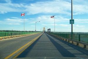 tnternational_bridge_sault_ste._marie_mi